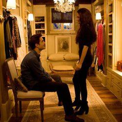 Robert Pattinson y Kristen Stewart en una escena de 'Amanecer.Parte 2'