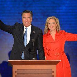 Mitt Romney y su mujer Ann en una Convención Republicana