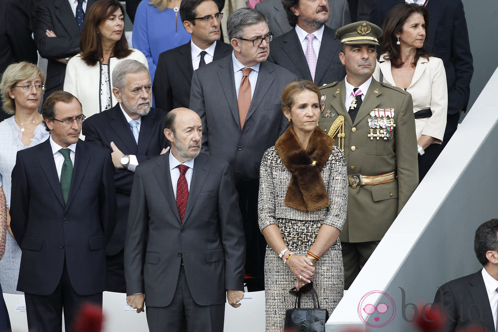 La Infanta Elena y Alfredo Pérez Rubalcaba en el Día de la Hispanidad 2012