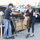 Antonio Banderas y Melanie Griffith acuden juntos a comprar a un supermercado