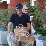 Melanie Griffith y Antonio Banderas felices de compras en un supermercado