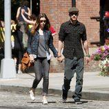 Justin Timberlake y Jessica Biel cogidos de la mano