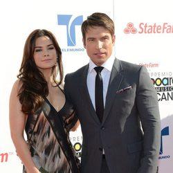 Rafael Amaya y su novia Angélica Celaya muy enamorados en los premios Billboard Mexican Music Awards 2012