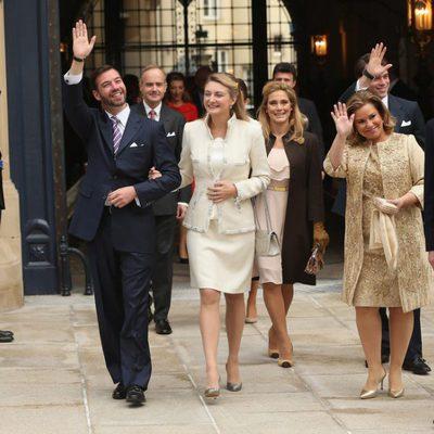 Guillermo de Luxemburgo y Stéphanie de Lannoy y los Grandes Duques en la boda civil