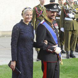 Haakon y Mette-Marit de Noruega en la boda de Guillermo y Stéphanie de Luxemburgo