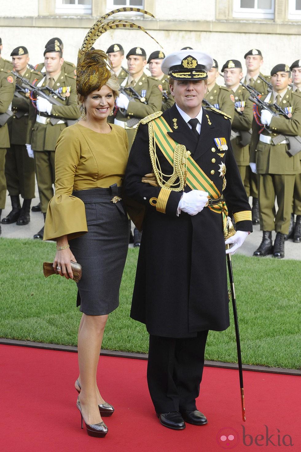 Guillermo y Máxima de Holanda en la boda de Guillermo y Stéphanie de Luxemburgo