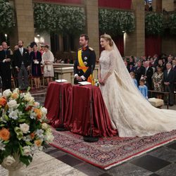 Guillermo de Luxemburgo y Stéphanie de Lannoy en su boda religiosa