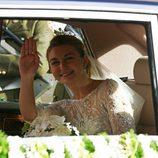 Stéphanie de Lannoy saluda desde el coche de camino a su boda con Guillermo de Luxemburgo