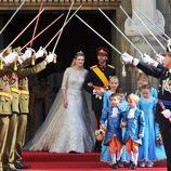 Guillermo de Luxemburgo y Stéphanie de Lannoy tras su boda religiosa