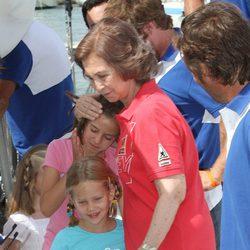 La Reina, Victoria Federica e Irene Urdangarín en el segundo día de regatas 2011