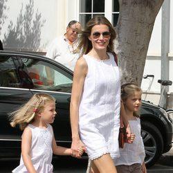 La Princesa Letizia y las Infantas Leonor y Sofía en el segundo día de regatas 2011