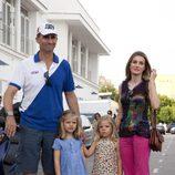 Los Príncipes Felipe y Letizia y sus hijas antes del concierto de Jaime Anglada