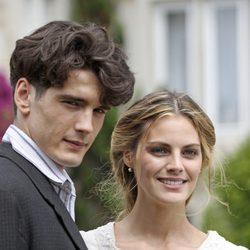 Amaia Salamanca y Yon González protagonizan 'Gran Hotel'
