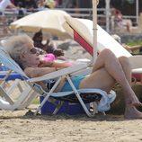 La Duquesa de Alba se relaja en Ibiza