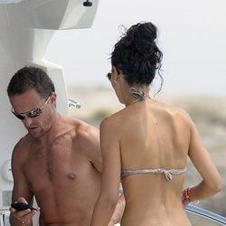 Sete Gibernau y Laura Barriales presumen de cuerpo en Ibiza