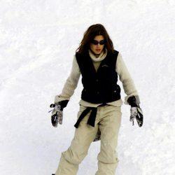 Carlota Casiraghi esquiando en Zurs en 2001