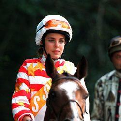 Carlota Casiraghi montando a caballo en 2001 en Fontainebleau