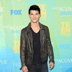 Taylor Lautner en los Teen Choice Awards 2011