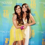 Demi Lovato y Selena Gomez en los Teen Choice Awards 2011