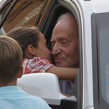 Victoria de Marichalar besa cariñosamente al Rey en Mallorca