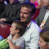 David Beckham y sus tres hijos en los Teen Choice Awards 2011