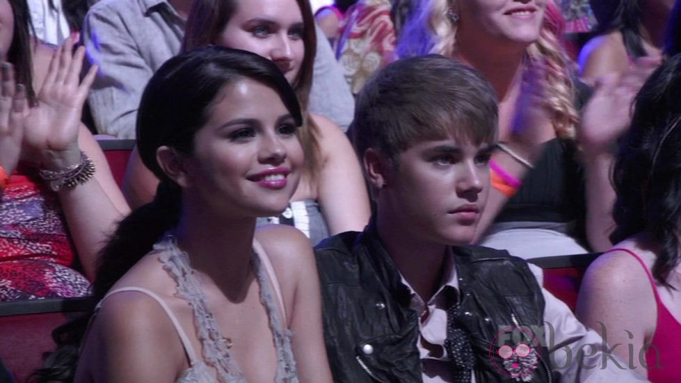 Justin Bieber y Selena Gomez en los Teen Choice Awards 2011