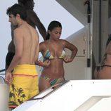Antonella Roccuzzo espectacular en bikini en Ibiza