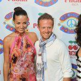 Sete Gibernau y Laura Barriales en la fiesta 'Flower Power' en Ibiza
