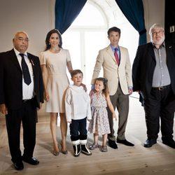 Federico y Mary de Dinamarca con sus hijos Christian e Isabel en un acto
