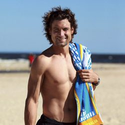 David Ferrer con el pecho desnudo en la playa