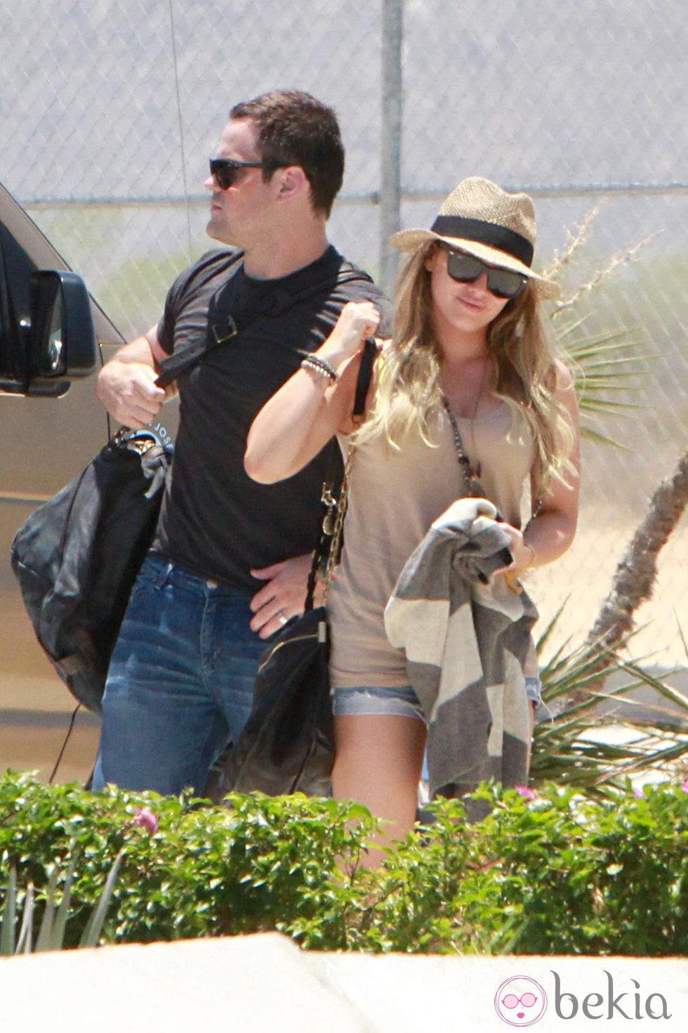 Hilary Duff durante sus primeras vacaciones como embarazada