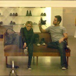 Hilary Duff y Mike Comrie de compras