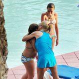 Belén Esteban abraza a su hija Andrea en Benidorm