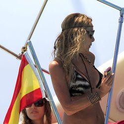 Ana Obregón presume de cuerpo en bikini en Formentera