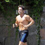 David Bustamante corre con el torso desnudo antes de la fiesta de cumpleaños de su hija