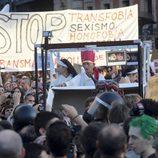 Un gran número de manifestantes en la marcha laica