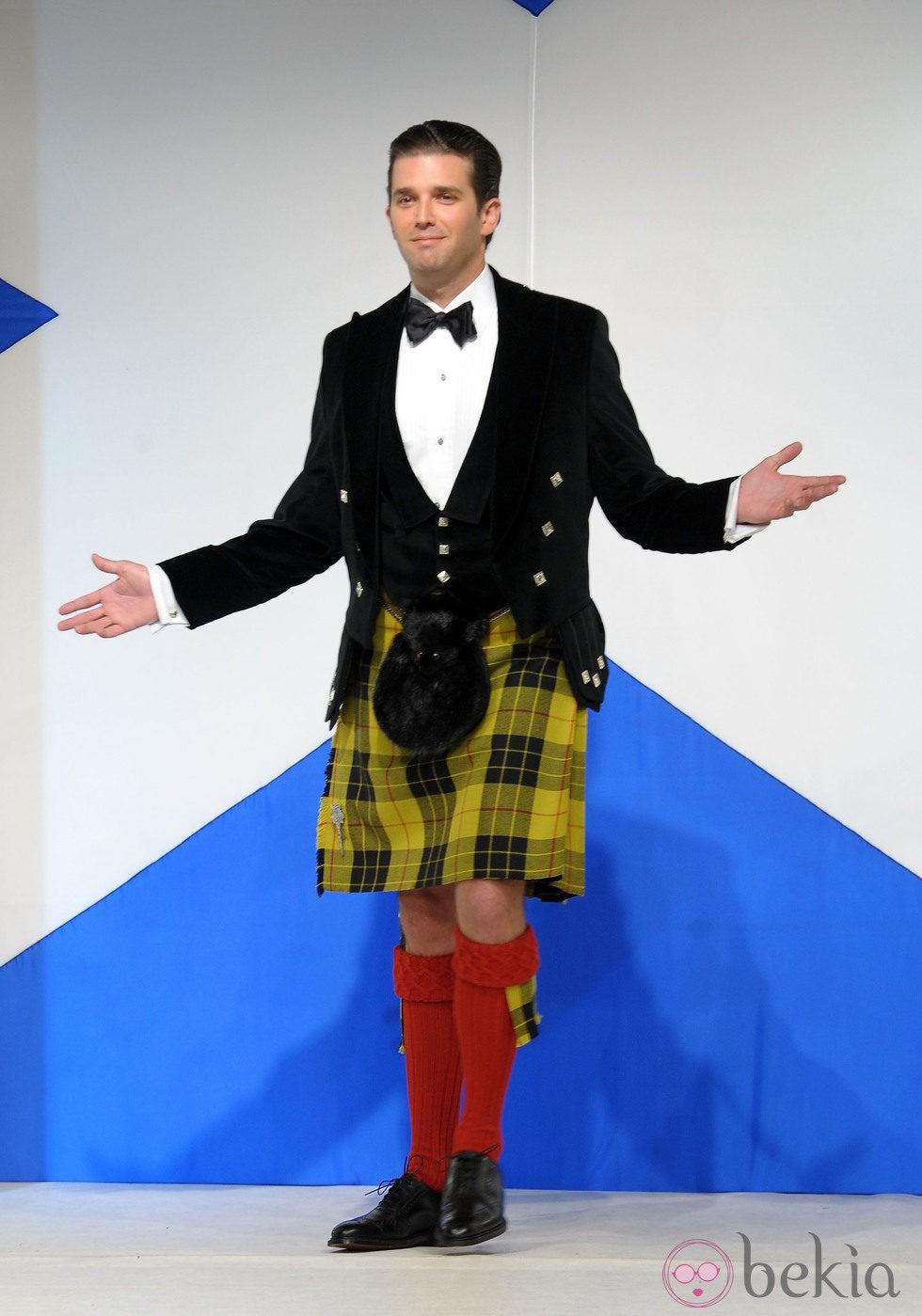 Donald Trump Jr. desfilando con una 'kilt' en el 9th desfile de faldas escocesas