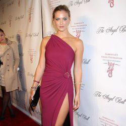Bar Refaeli en la gala solidaria Angel Ball 2012