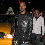 Kanye West en la fiesta de inauguración de una tienda Versace en Nueva York