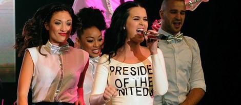 Katy Perry actuando para Obama en Las Vegas