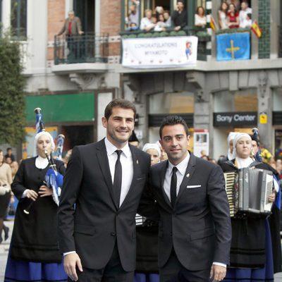 Iker Casillas y Xavi Hernández en la entrega de los Premios Príncipe de Asturias 2012