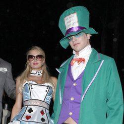 Paris Hilton y River Viiperi juntos en la fiesta de Halloween 2012