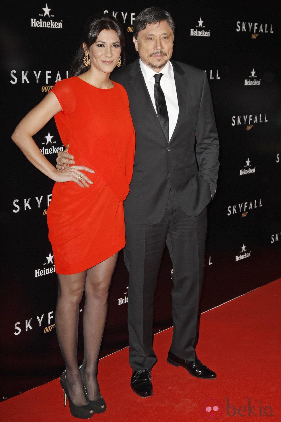 Carlos Bardem y Cecilia Gessa en el estreno de 'Skyfall' en Madrid