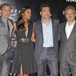 Daniel Craig, Naomie Harris, Javier Bardem y Sam Mendes estrenan 'Skyfall' en Madrid
