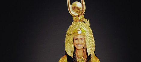 Heidi Klum disfrazada de Cleopatra para Halloween