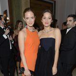 Emily Blunt y Marion Cotillard en la gala Harper's Bazaar Mujer del Año 2012