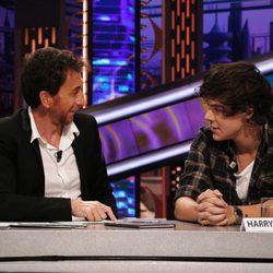 Harry Styles y Pablo Motos en 'El hormiguero'