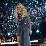 Carrie Underwood durante su actuación en los Premios CMA 2012