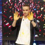 Liam Payne con las manos manchadas de pintura en 'El hormiguero'