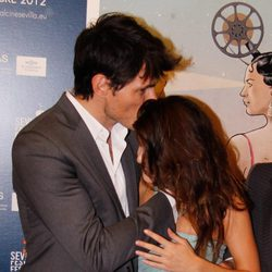 Andrés Velencoso besa a Clara Lago en el estreno de 'Fin' en el Festival de Cine Europeo de Sevilla 2012